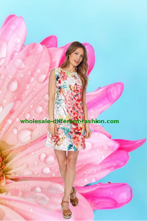 stockist distributor women's clothing collection summer 2019 elegant lace dresses with original prints low prices boutiques
